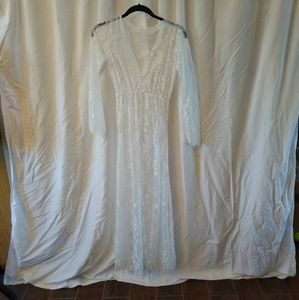 White lace dress/nightgown